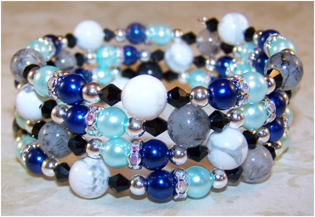 Winters Gift Bracelet Free Beaded Jewelry Making Pattern
